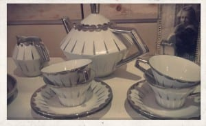 brocante service thé chiné exquise trouvaille