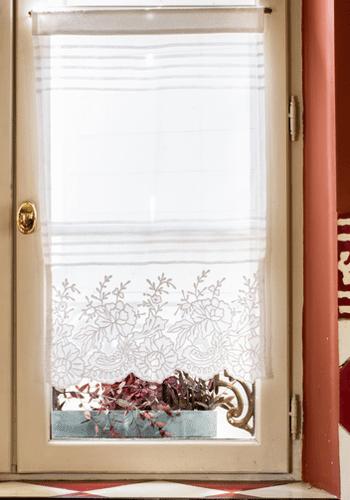 rideau louise lin ma part de r ve l 39 exquise trouvaille. Black Bedroom Furniture Sets. Home Design Ideas