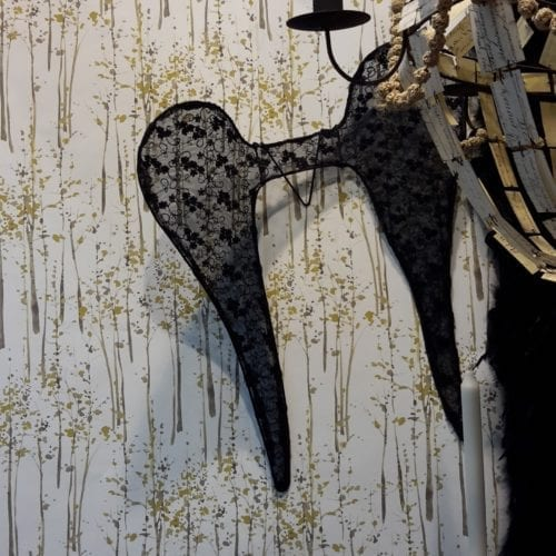 ailes-ange-noir-jeanne-living