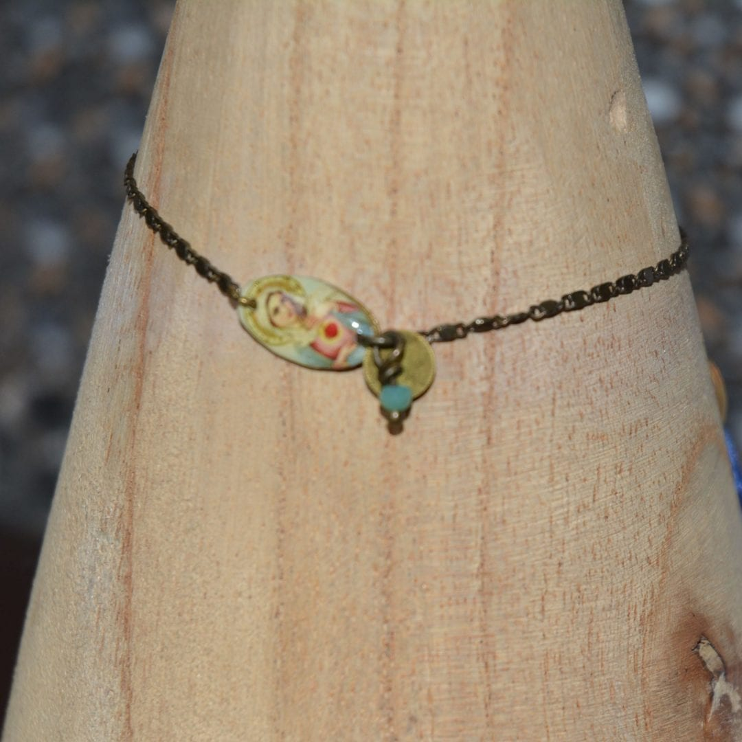 Bracelet de la marque Dame Pivoine, créé par la créatrice poitevine Aurélia Dalby