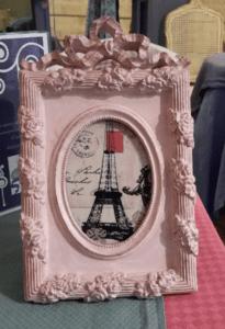 Petit cadre romantique patine caséine rose poudré L'Exquise Trouvaille
