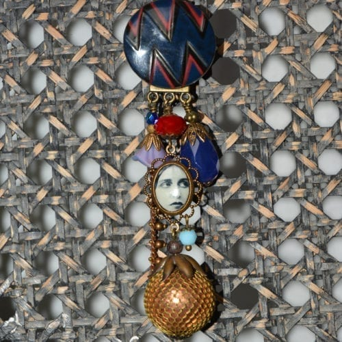 Collier de la marque Dame Pivoine, créé par la créatrice poitevine Aurélia Dalby
