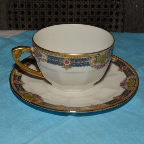 tasse vintage porcelaine de Limoges J Boyer