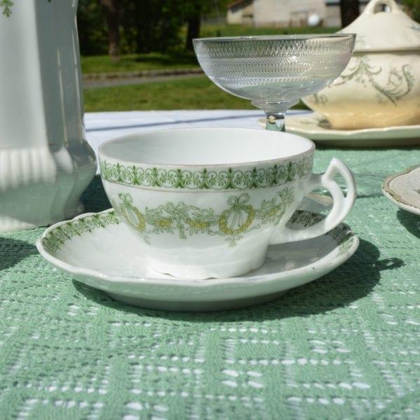 Tasse et soucoupe en porcelaine chinés par L'Exquise Trouvaille