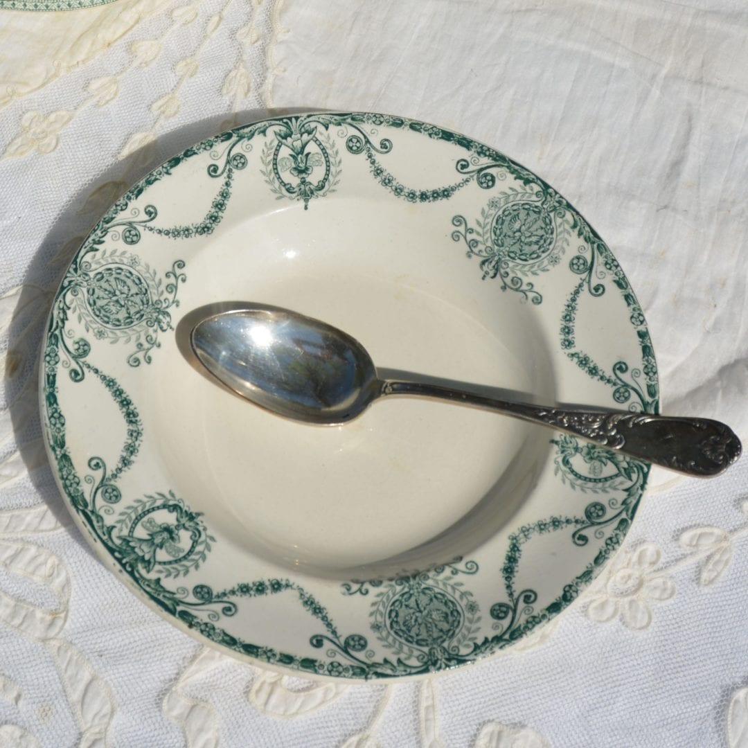 Assiette Pierrefonds chinée par L'Exquise Trouvaille